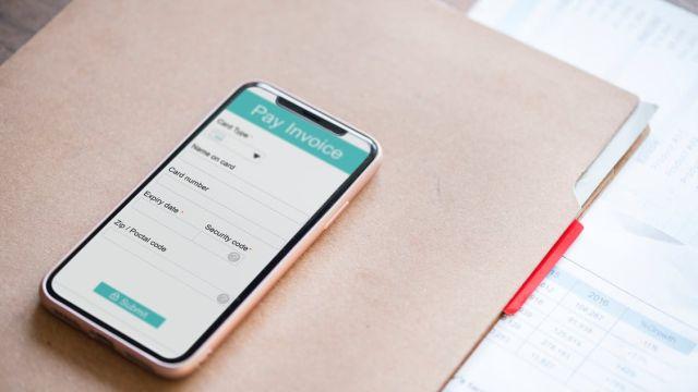 IDEAL, creditcards en PayPal vervangen traditionele betaalwijzen bij online aankopen steeds meer