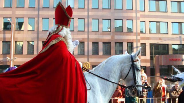 Online omzet groeit met 25% rond Sinterklaas