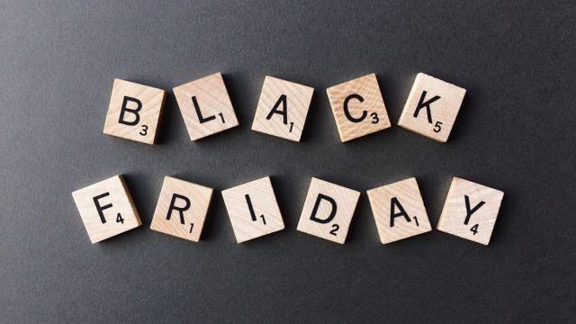 Black Friday helemaal ingeburgerd; 95% jongeren overweegt aankoop