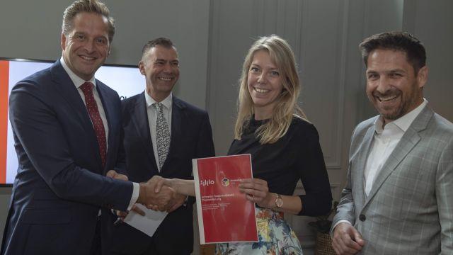 Expertgroep Opportunities of e-Accessibility reikt actieplan uit aan minister Hugo de Jonge