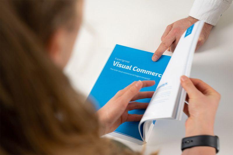Pagina in boek Visual Commerce