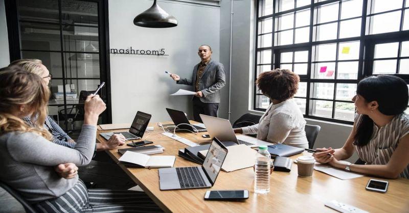 Groep in vergadering