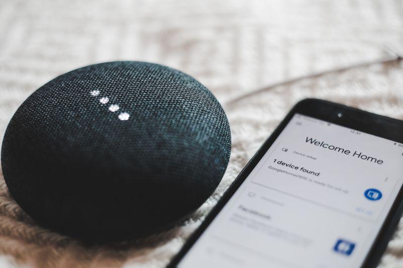 Google home met mobiele telefoon