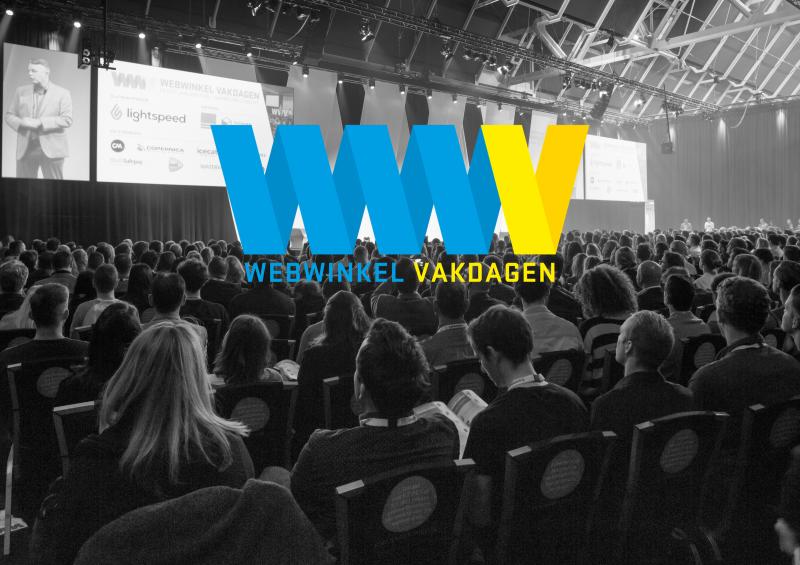 Keynote zaal van Webwinkel Vakdagen met logo